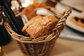 Pan y grisines de aceite de oliva extra virgen ecológico...alguien da más?