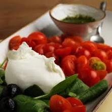 Mozzarella y tomates
